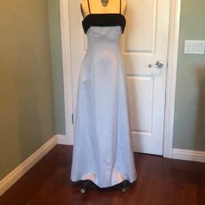 Silver and Black Long Evening Gown w/matching wrap
